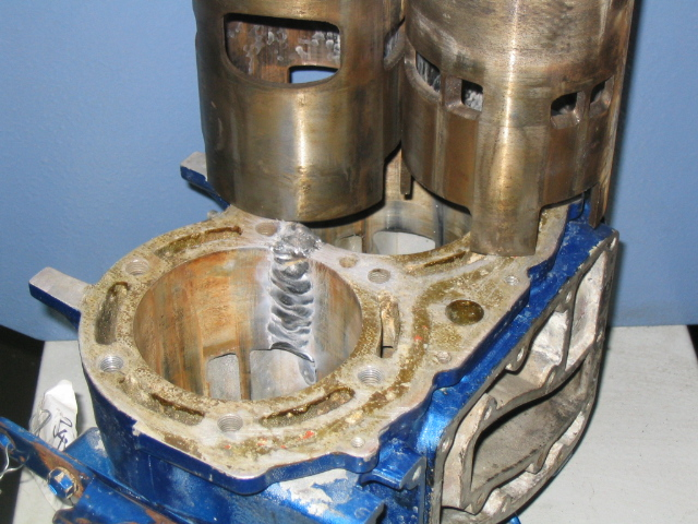 Marine applications for Outboard motor cylinder boring